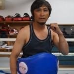キックボクシングコーチ:イソラサック