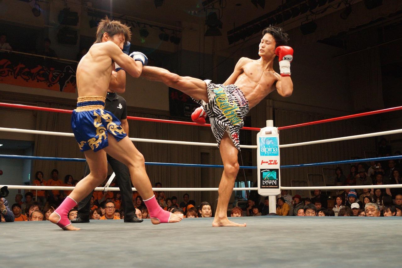 TITANS NEOS 13 重森陽太 2R TKO...
